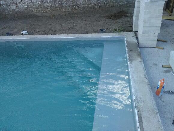 piscine 3 00x6 00 avec escalier d 39 angle banquette liner. Black Bedroom Furniture Sets. Home Design Ideas