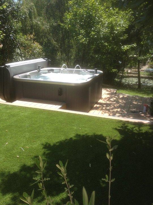 Installation d'un Spa français Aquadolce modèle 6 places  Le Cubbe Version Prest…