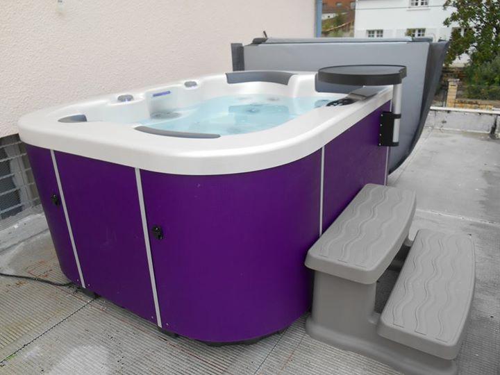 Spa Français 3 Places avec le nouvel Habillage Pop Violet ! Installation dans le…